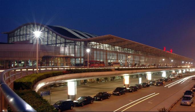 极速电器-北京国际机场配电解决方案: